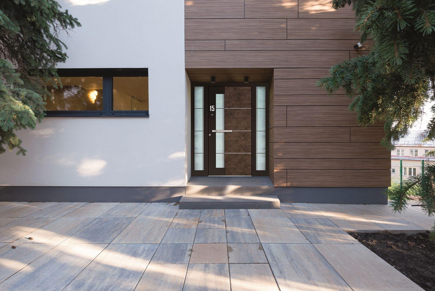 stilsichere und einbruchsichere haust ren aus aluminium urs k hne k chen t ren wohnen. Black Bedroom Furniture Sets. Home Design Ideas