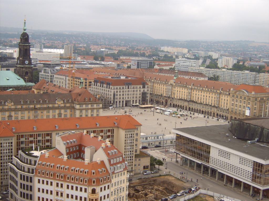 Blick auf den Altmarkt & Kulturpalast