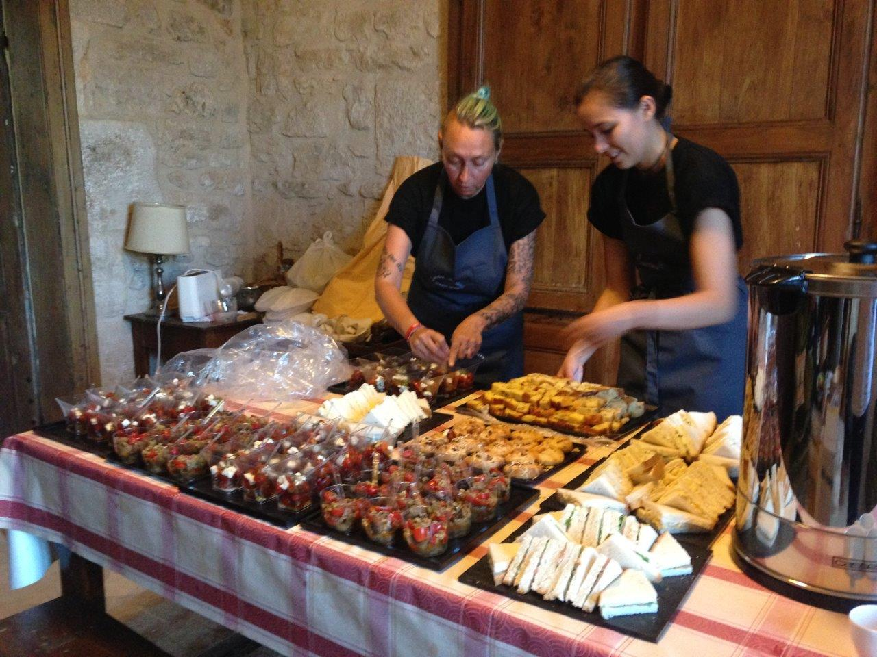 Equipe de cuisine et service