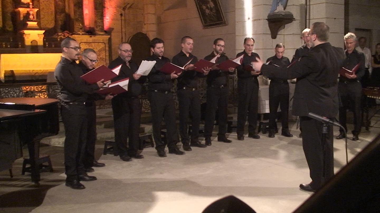 choeur d'hommes Mane Voce, dirigé par Christophe Girard Reydet.