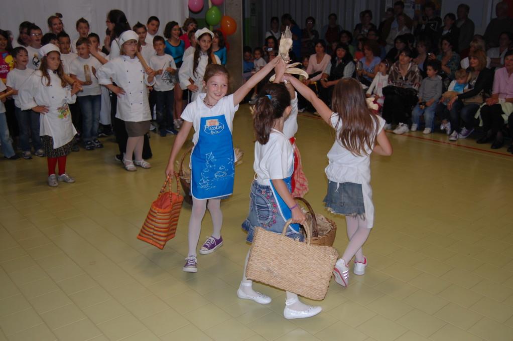 Il balletto del mais della classe seconda