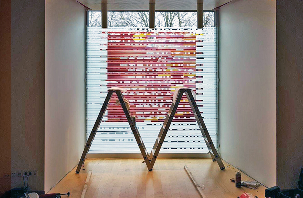 Montage der Einzelgläser (Fotos: S. Niederhaus)