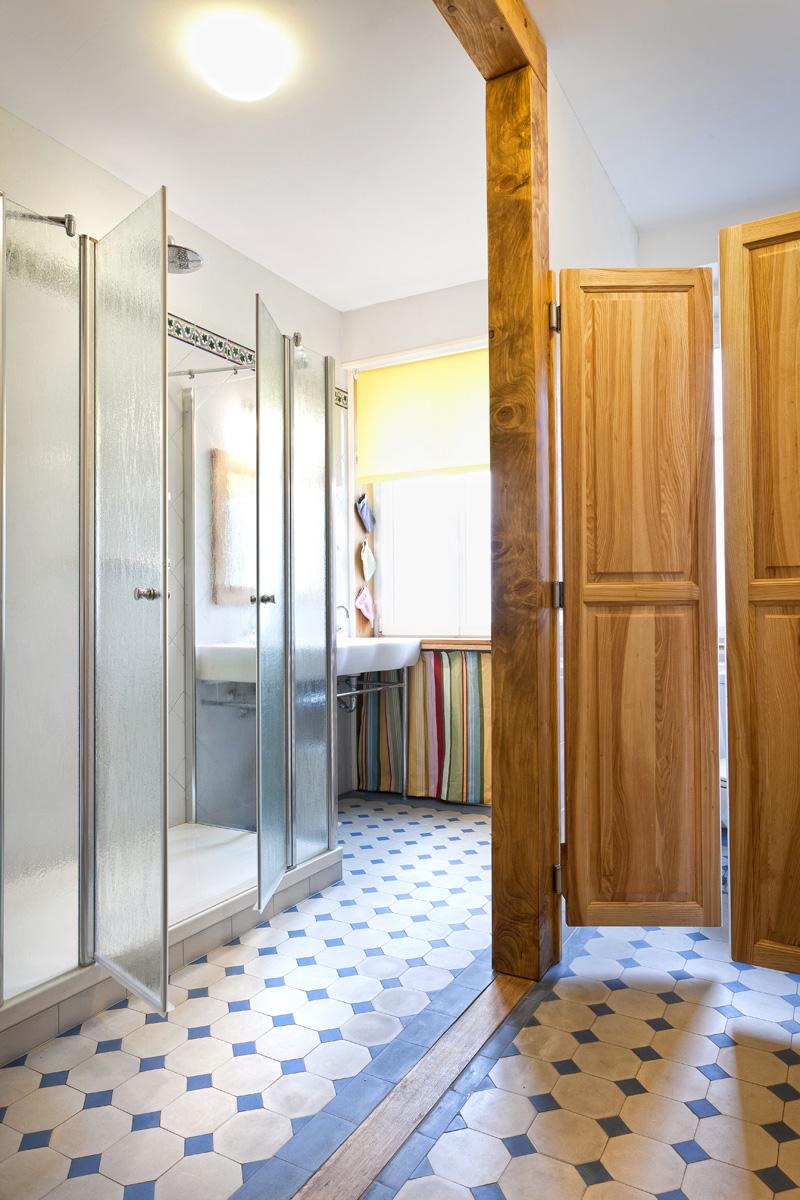 Grande salle de bain (Photoval)