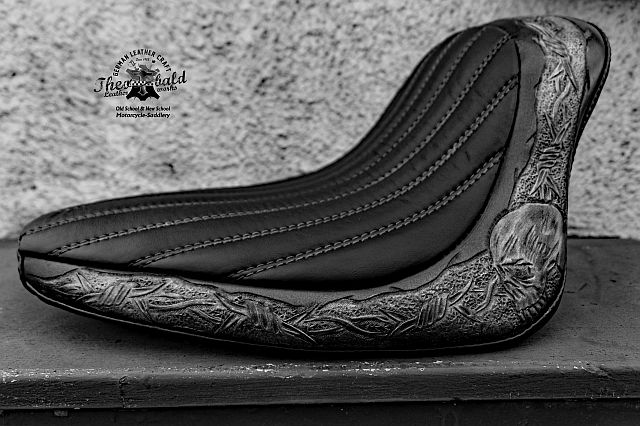 Custom Seat from Jürgen/Saarbrücken, Barbed Wire Tooling and Custom Stitching