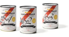 Hardys Traum® Pur ist das Premium-Alleinfutter mit Fleisch pur für Hunde jeden Alters und Rasse, angeboten in den drei Menüvarianten Rind, Huhn und Lamm