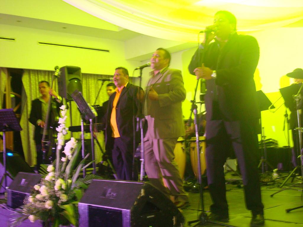 Frank y su Orquesta