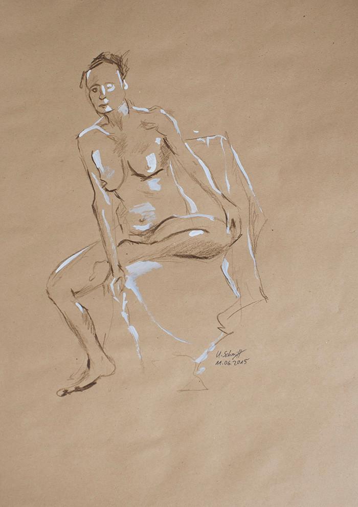 """Weiblicher Akt, sitzend"""", 2015, Buntstift & Tusche auf getöntem Papier, 30 cm x 40 cm"""