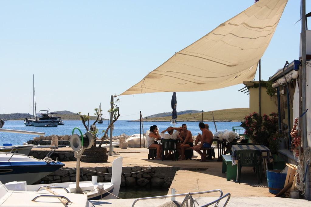 le case dei pescatori a Vrulije - crociera Croazia isole Kornati