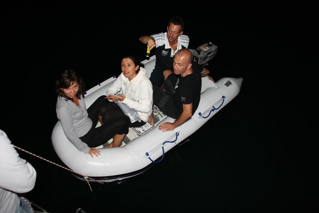 a spasso di notte con il tender - crociera Croazia isole Kornati