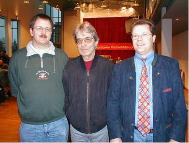 Impressionen KEM 2000 - Bild Unten: Bezirksspielleiter Martin Halba, der 1.Vorsitzende des Schachbezirks Zugspitze Kurt Ewald sowie unser 1. Vorsitzender Horst Kessler