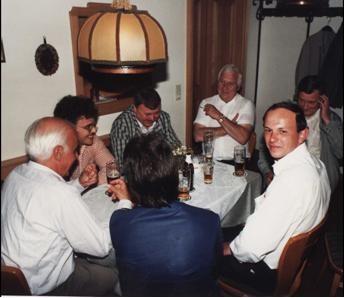 Abendlicher Abschluss 1988 in Kötzting, links im Bild Wolfgang Wirsching