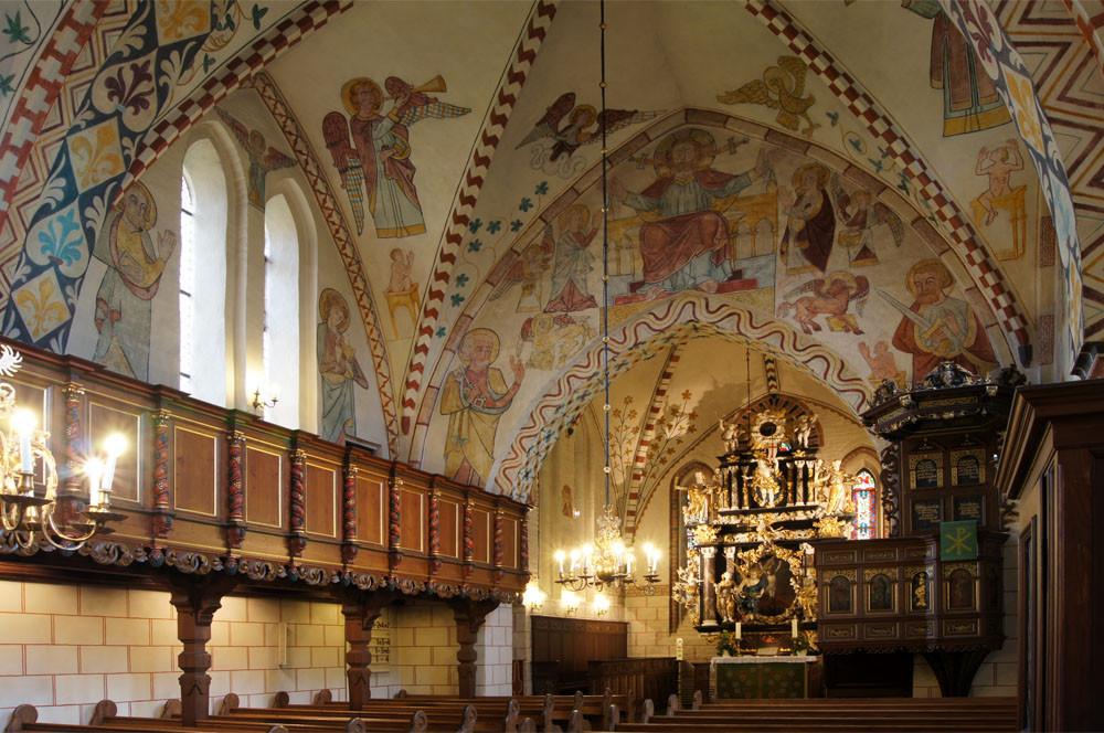 Maria-Magdalenen-Kirche zu Berkenthin - Kirchenschiff       /Foto  Manfred Maronde