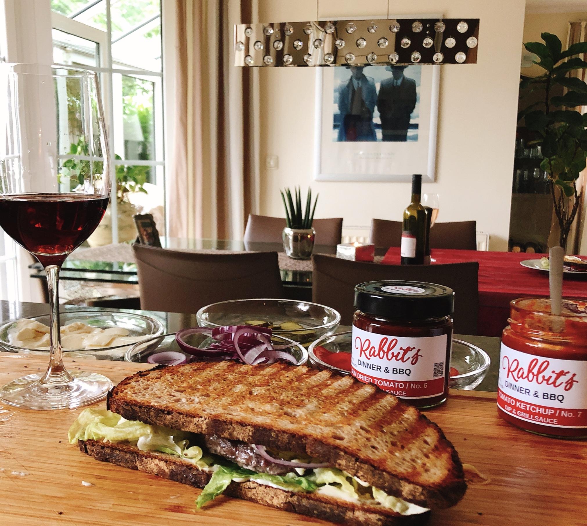 Abendessen ist fertig Sandwich mit Burger Patty