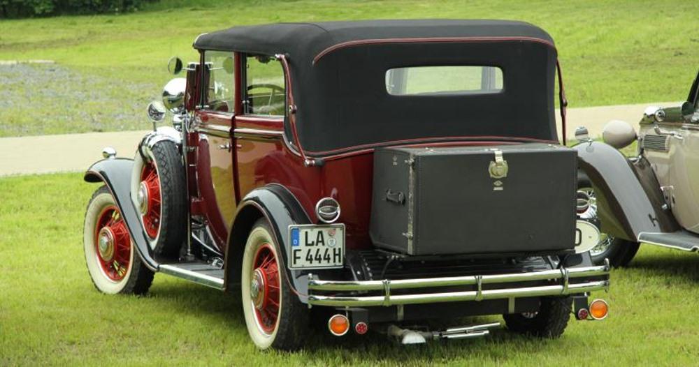 Gläser Buick 8-57, 1931, Heckansicht zum vorhergehenden Bild