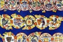 型絵染め名古屋帯「唐草鳥獣紋」(小島悳次郎)。動物たちのパラダイスのような帯です。