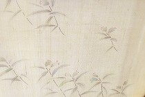 露草を描いた生紬の訪問着。ブルーの花が涼しげです。