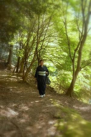 きもので東海自然歩道を歩きました。大島紬のきものに結城紬の八寸名古屋帯。