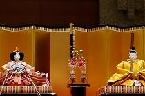 会場のホテルオークラ京都のロビーに飾られた雛人形です。