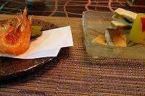 太閤園ビアガーデンのお料理。写真はえびの素揚げ。