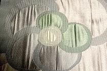 洛風林の織名古屋帯。柄は梅か貝殻かわかれるところです。