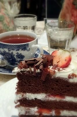 宝塚歌劇観劇後はティーハウスサラのケーキセット。