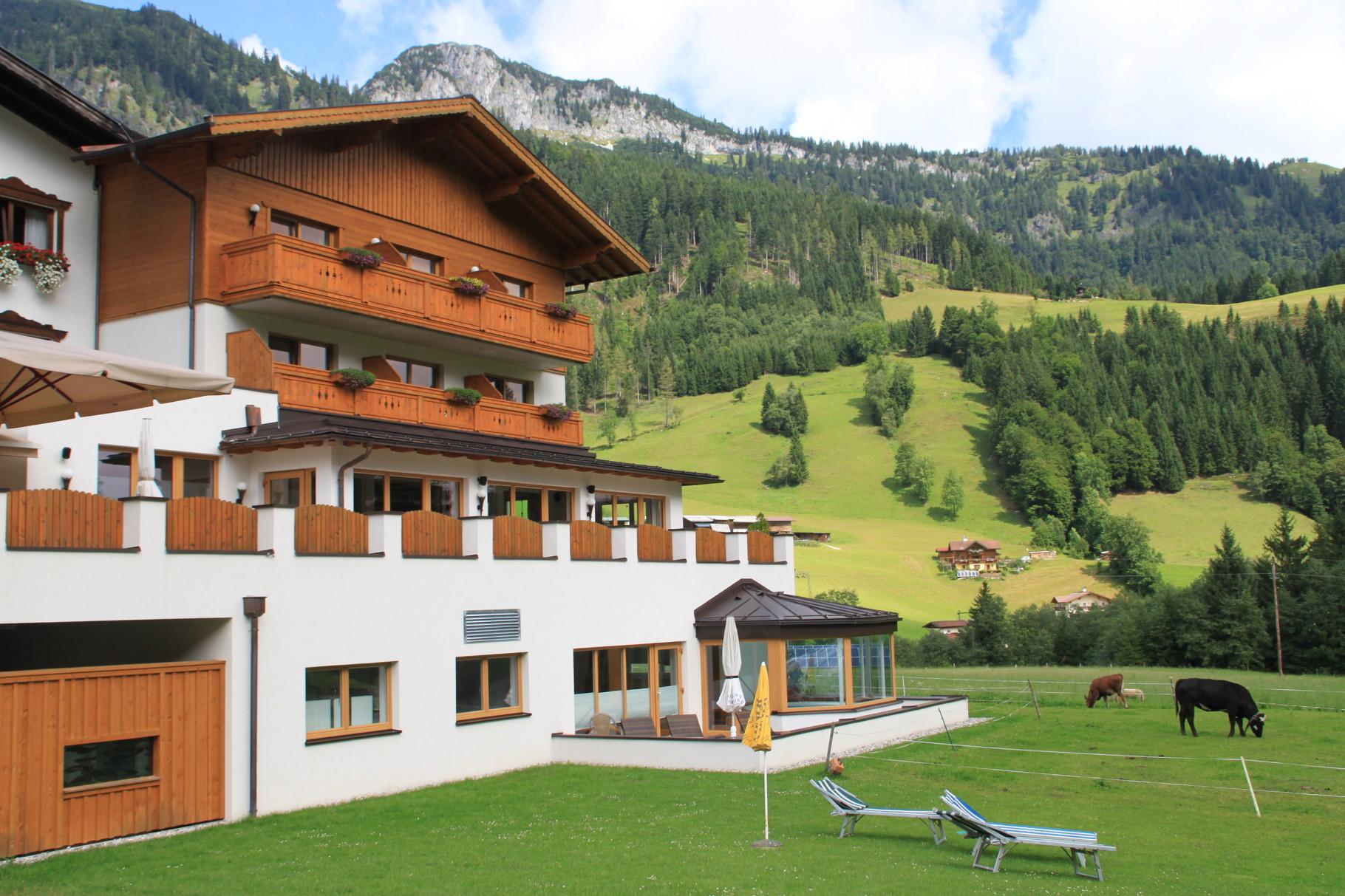Alpengasthof mit kleinem Panoramowhirlpool