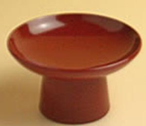 高つき(腰高)  「歯固め」の小石を2~3個または梅干をのせるところもある  φ8.0cm×4.5cm(高さ)