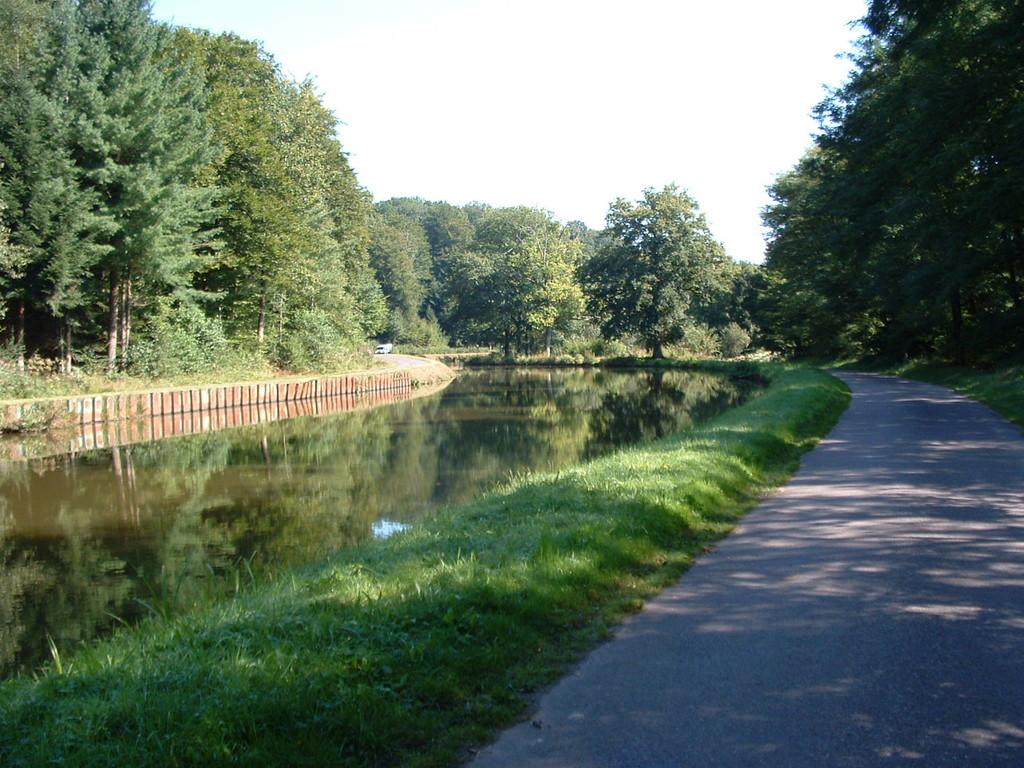 Canal des Vosges - La Vélo-route 50 Charles le Téméraire