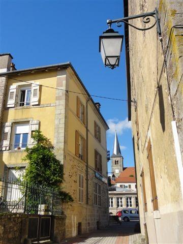 Une ruelle du vieux Bains