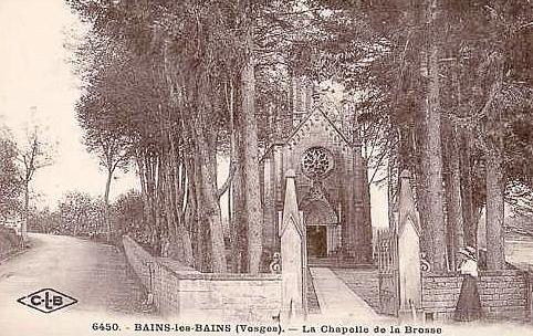 Enclos de la chapelle Notre-Dame de la Brosse vers 1900. (c) Municipalité de LVLB