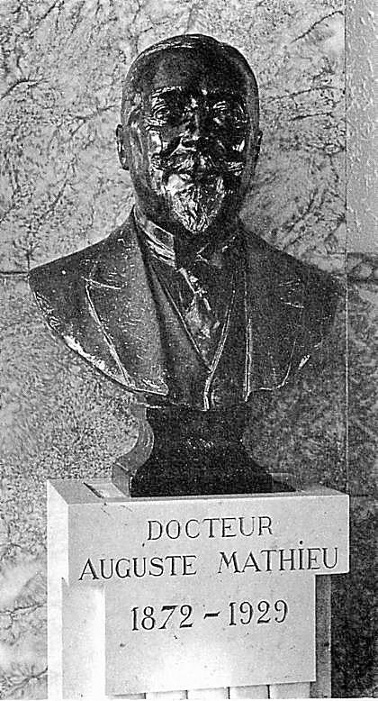 Buste du docteur Auguste Mathieu dans la Buvette Saint-Colomban (1931)