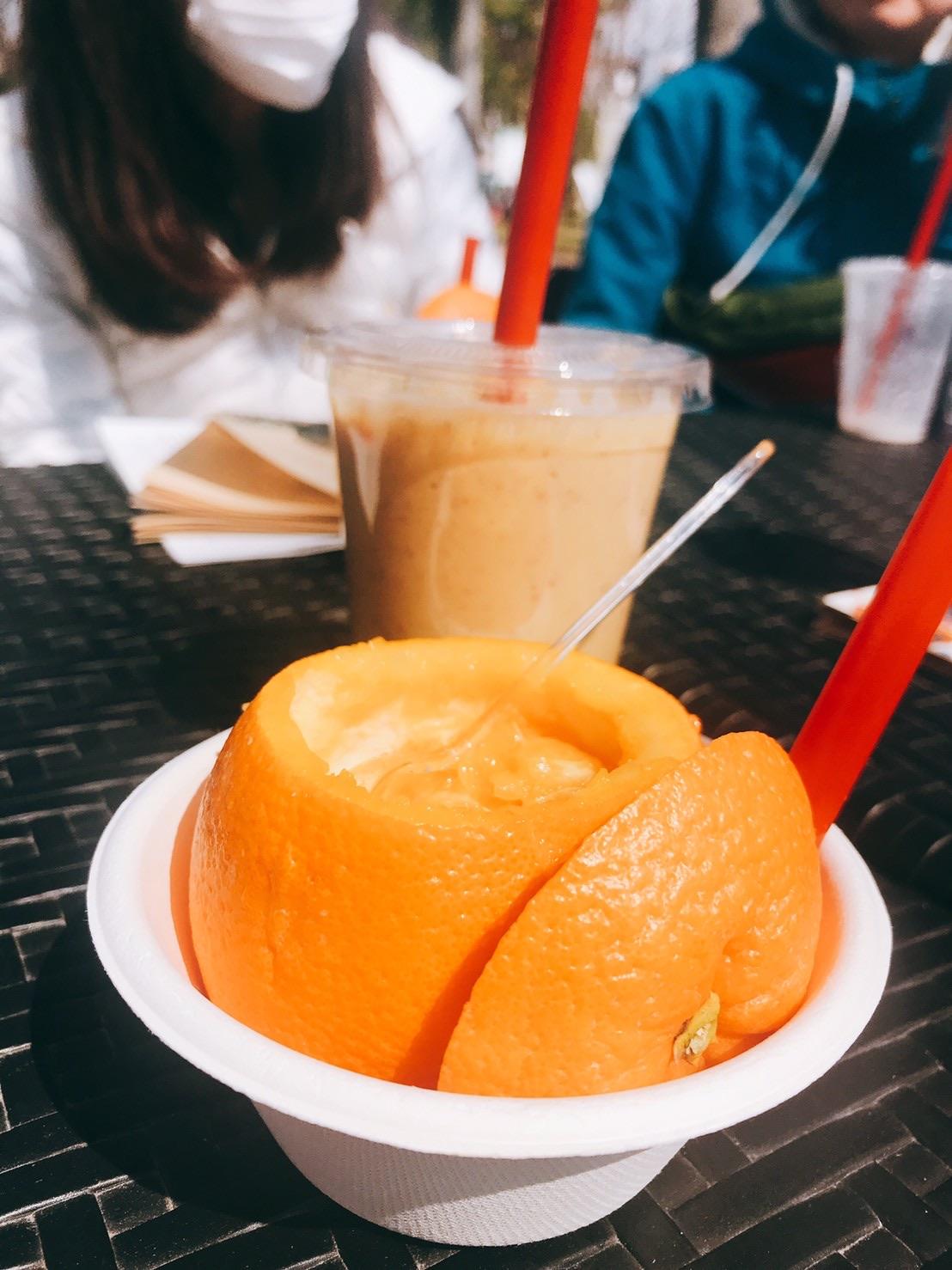 ウォーキング部門終了後はいつものお楽しみマルシェ♪今日は生絞りオレンジジュースをいただきました♡身体に染み込んでいくのがわかります☆