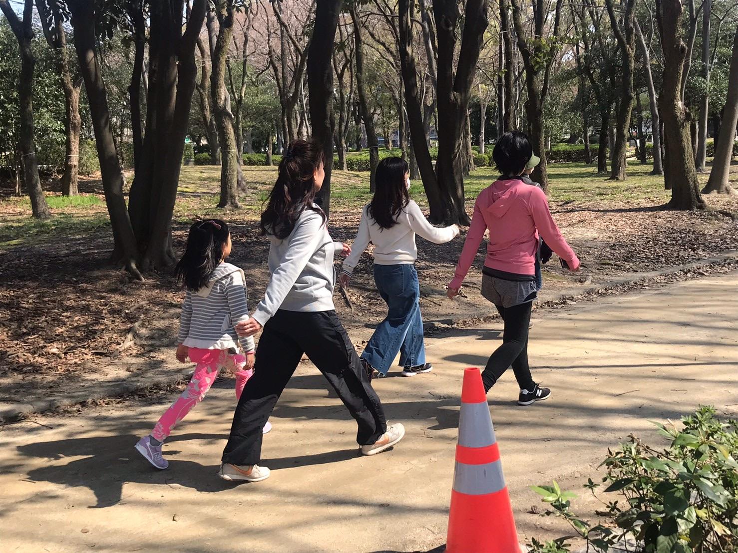 公園内周の1周目は、天然のコルセットを意識して、普通のスピードで