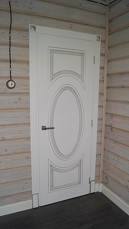 ле шале, брашировка стен в деревянном доме шале
