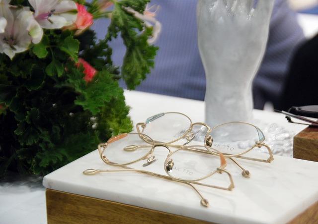 惚れそうなくらいかわいいメガネ