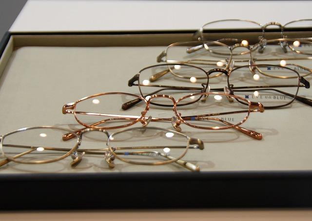 手前が驚きのメガネ!しかもこのピンクゴールドはかわいいですよ~♪