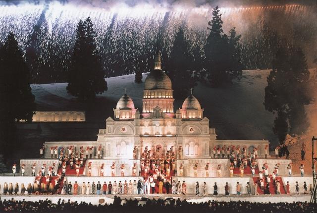 ギネス登録された第32回の雪まつり雪上ステージ