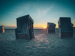 Strandkörbe Sonnenuntergang - Ferienwohnungen Norderney - norderney.top