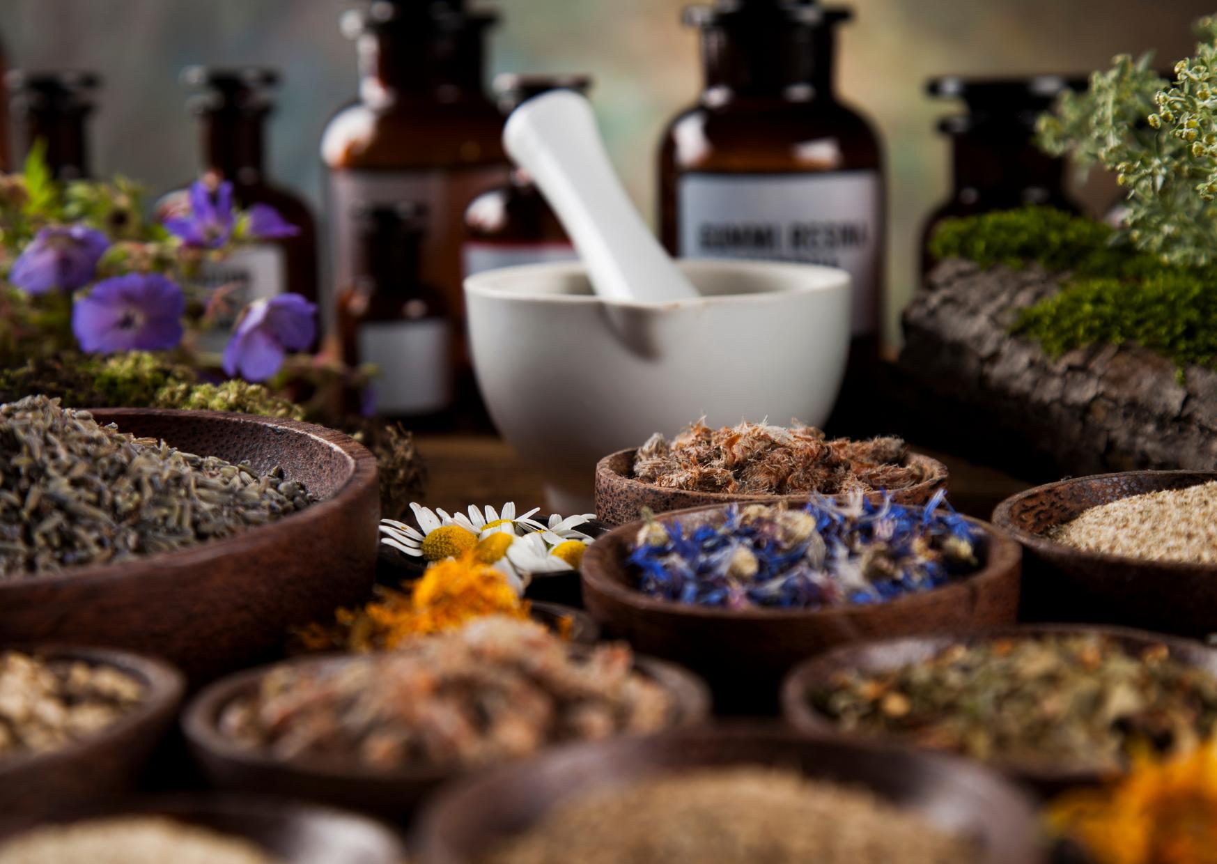 Duftmedizin für Zwei- und Vierbeiner-Hilfe aus der Naturapotheke