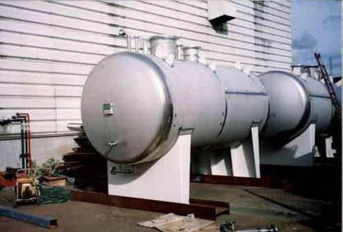 絶縁油貯槽