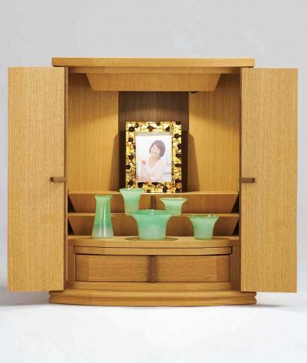 ラグラス2  ナチュラルライトなタモ材は明るい色味のお部屋にぴったり。モダンインテリアと馴染みます。