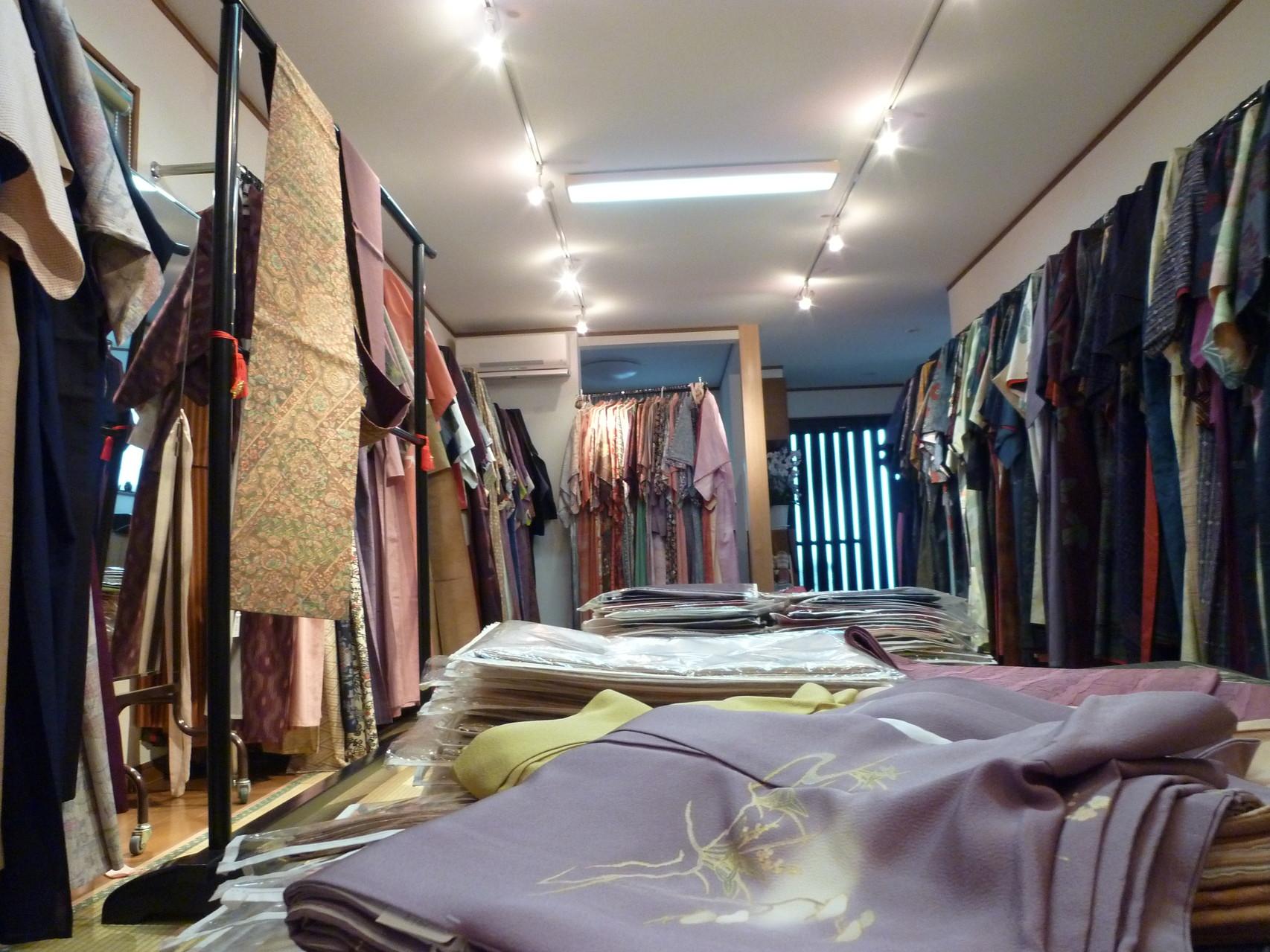 リサイクル着物全般、リメイク用品がどこよりもお手軽に手に入る『リサイクルきもの優華』