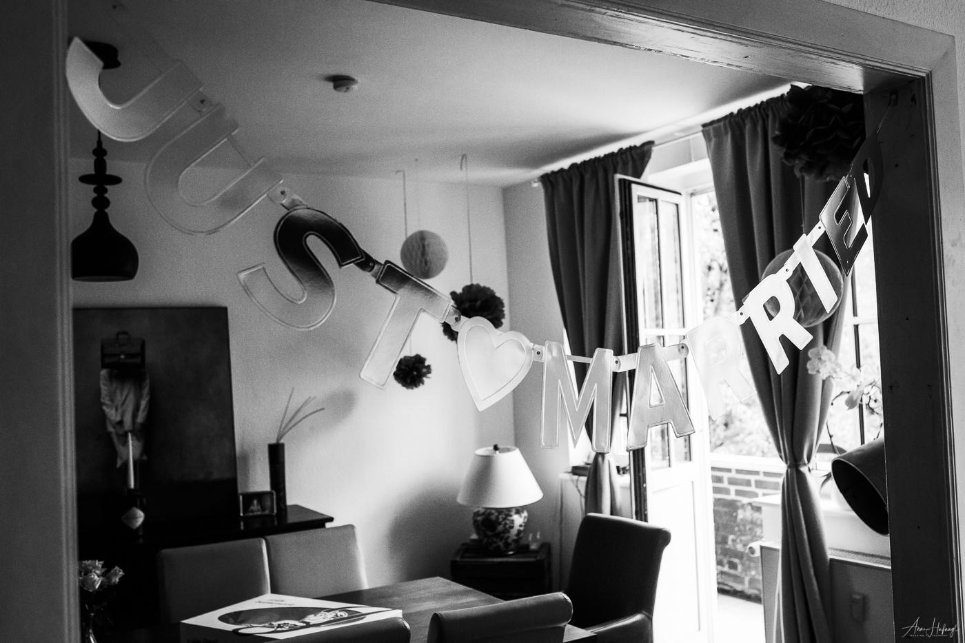 """""""Just Married"""" Hochzeitsdekoration aus einer Hochzeitsreportage von Fotografin Anne Hufnagl"""