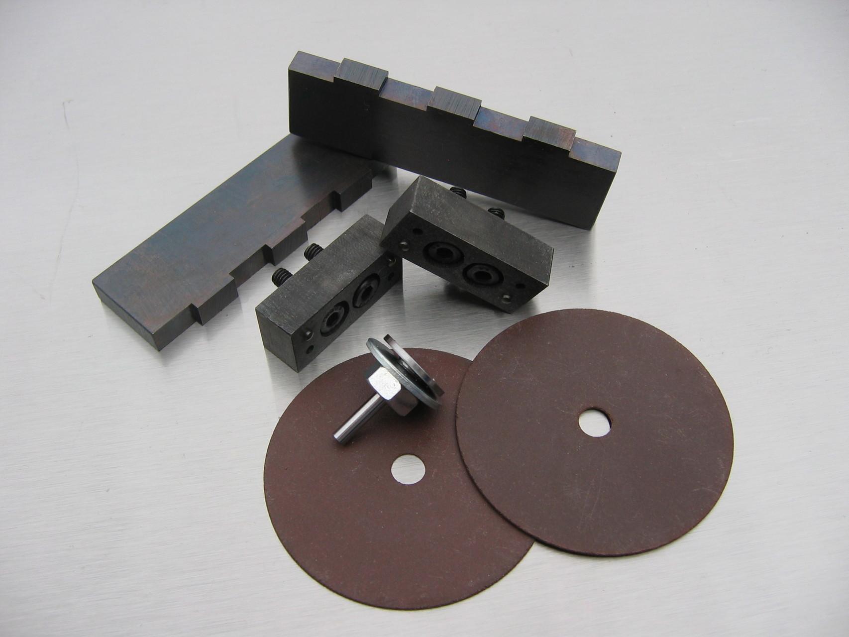 Gegenhalter, Sickenprägewerkzeug, Haltepunkt-Schleifscheiben mit Aufnahme