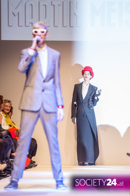 Martin Meister live openenig at Fashion Week