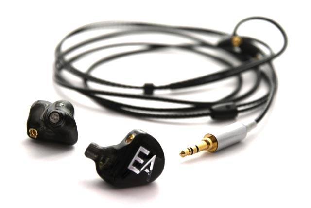 Ecouteurs intra-auriculaires EA B501B trois voies cinq haut-parleurs de Erdre Audio de type in-ear monitors