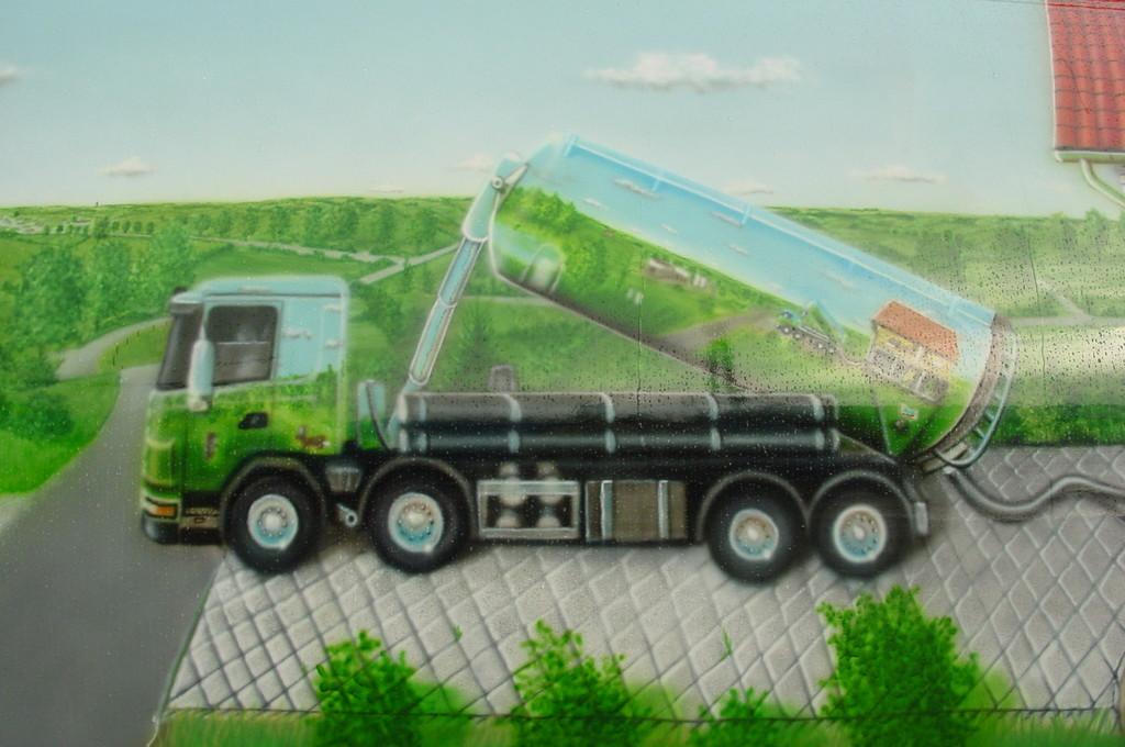 Airbrush Truck Pellets Detail