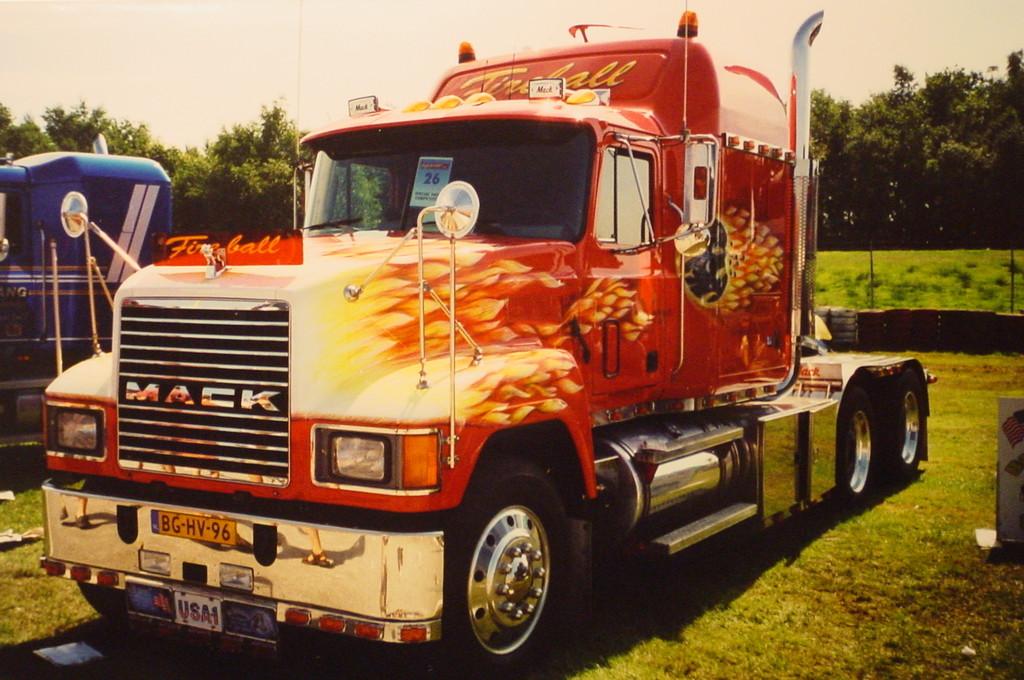 "Airbrush Truck ""Fireball"""