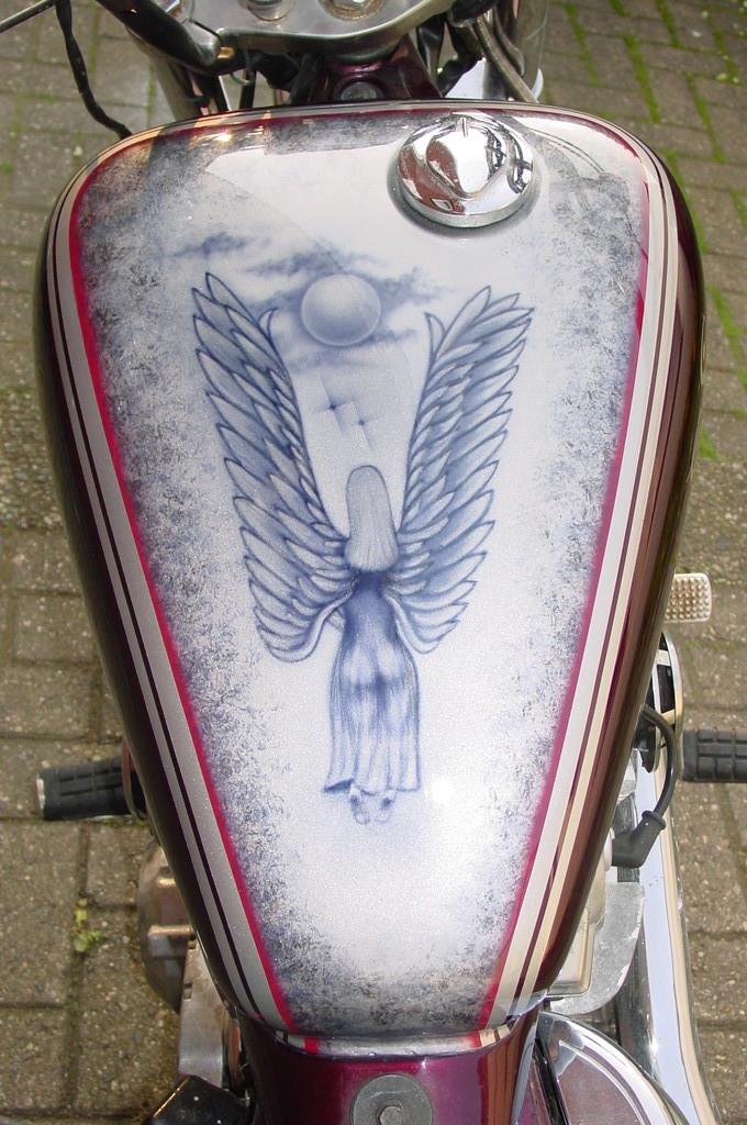 "Airbrush Motorrad ""Engel"" Detail"