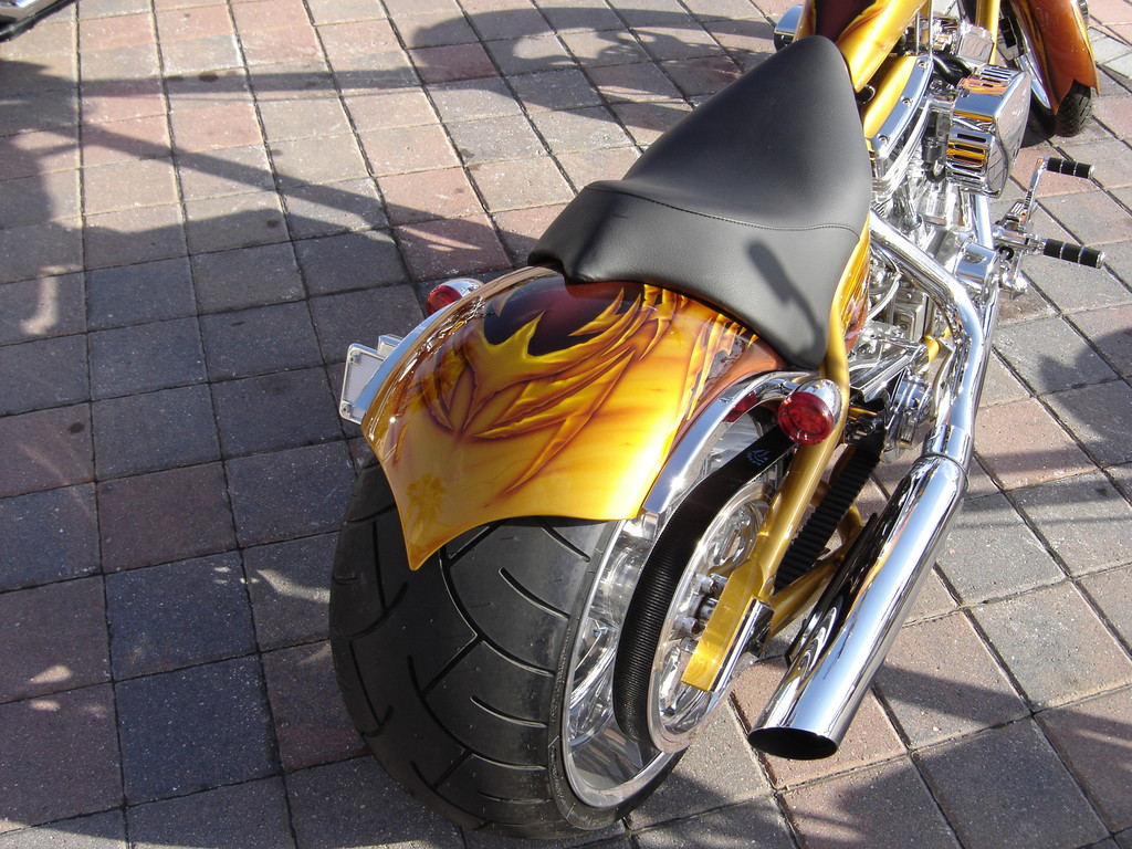 "Airbrush Motorrad ""Golden"" Detail"
